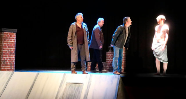 3 hommes sur un toit / Mars 2020 à Maule